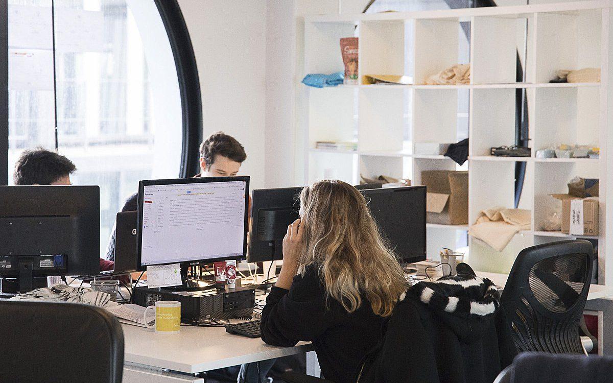 Lancée en avril 2021, l'opération « Paris Réactiv'Emploi » consiste à offrir des séances de coaching gratuites et personnalisées pour soutenir les chef·fes d'entreprise parisien·ne·s dont l'activité a été impactée par la crise économique et les aider à rebondir professionnellement. Témoignages Découvrez les témoignages de ceux ou celles qui ont intégré cet accompagnement, et les premiers résultats qu'ils nous partagent.